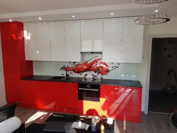 biało-czerwona kuchnia na wymiar