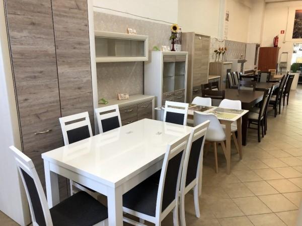 nowoczesne stoły